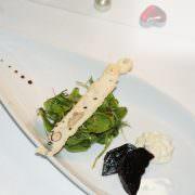 Gang 18 - Randen, Gorgonzolacrème, Kräutersalat